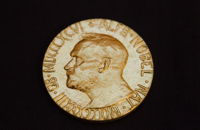 ميدالية جديدة من ميداليات نوبل تباع في المزاد بسعر 800 ألف دولار