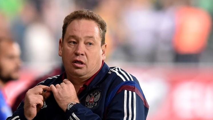 سلوتسكي مستمر في تدريب منتخب روسيا حتى نهاية بطولة أوروبا 2016