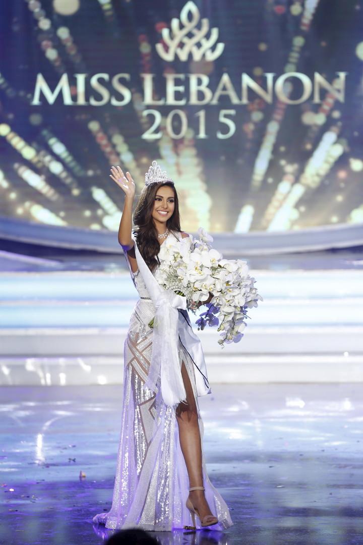 فاليري أبو شقرا تتوج ملكة لجمال لبنان 2015