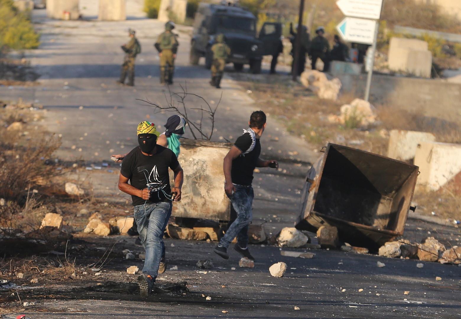 مقتل 4 فلسطينيين برصاص الجيش الإسرائيلي في غزة والضفة (فيديو)