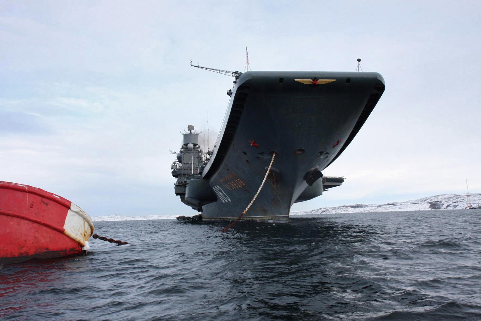الناتو يطلق أكبر تدريبات له منذ 13 عاما.. وحاملة الطائرات الروسية تجري تدريبات في المحيط الشمالي