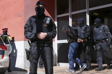 إحدى عمليات الاعتقال في إسبانيا