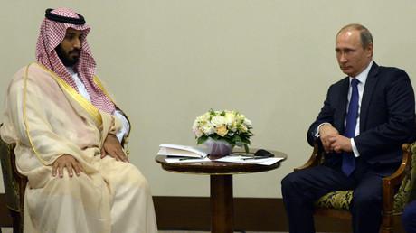 الرئيس الروسي فلاديمير بوتين وولي ولي العهد السعودي، وزير الدفاع للمملكة محمد بن سلمان آل سعود