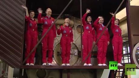 تجربة فضائية تحاكي الرحلة إلى القمر بمشاركة 8 فتيات فقط