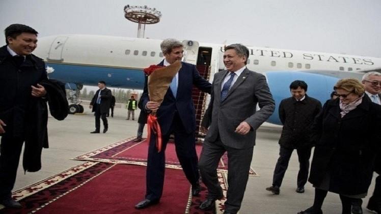 كيري في آسيا الوسطى.. سعيا وراء