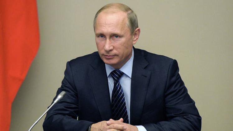 بوتين يؤكد ضرورة استعادة الديناميكية الإيجابية للاقتصاد الروسي