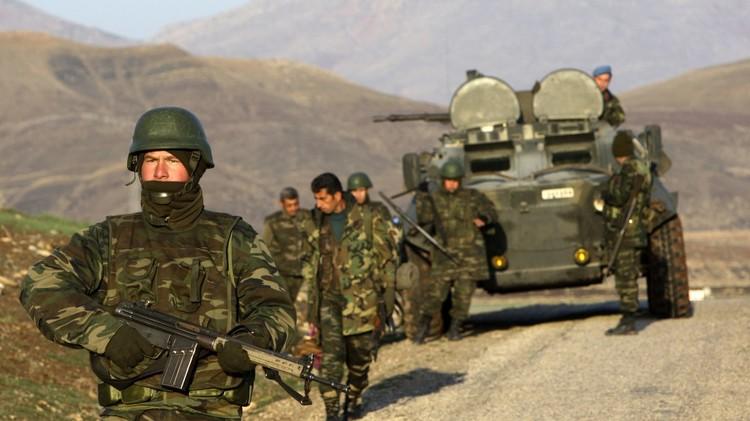مقتل 17 شخصا في اشتباكات بين مسلحين أكراد وقوات الأمن التركية