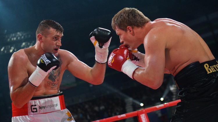 فيديو .. الملاكم الروسي بوفيتكين يفوز على البولندي فاخ