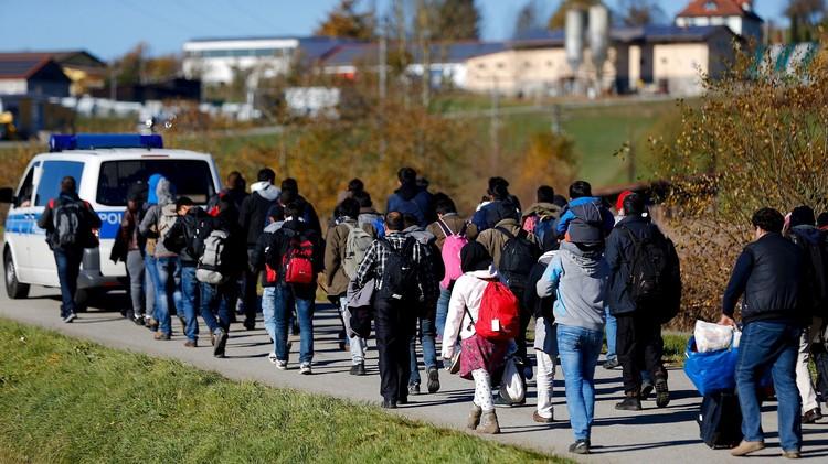 السويد تطلب نقل مهاجرين من أراضيها لدول أخرى في الاتحاد الأوروبي