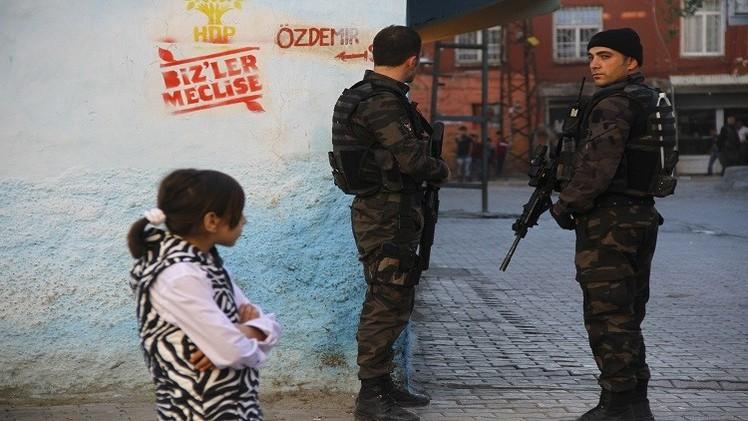 الكردستاني يعلن وقف الهدنة وتركيا تستعد