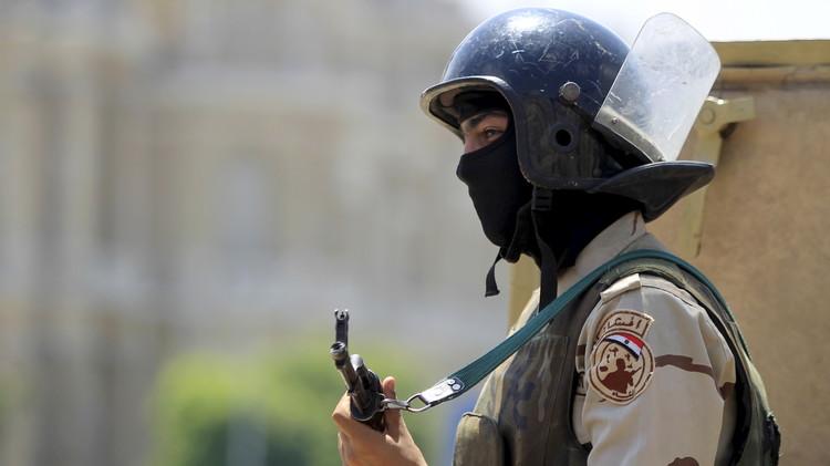 الأمن المصري يحتجز 22 مشتبها بهم في تنفيذ عمليات إرهابية