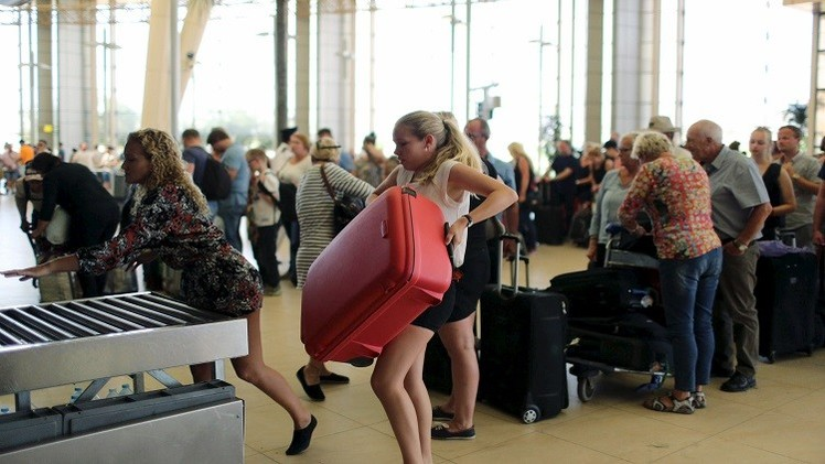 عودة 79 ألف سائح روسي من مصر على مراحل