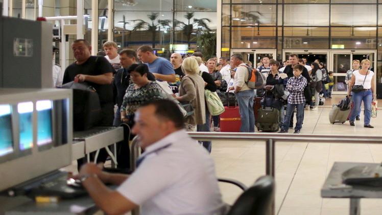 البدء بتدقيق فيديوهات كاميرات المراقبة بمطار شرم الشيخ