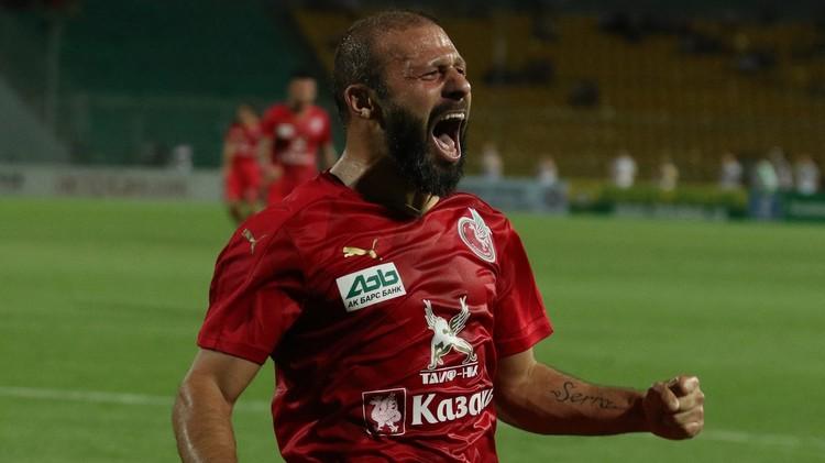 التركي كارادينيز يقود روبين للفوز على كريليا سوفيتوف في الدوري الروسي