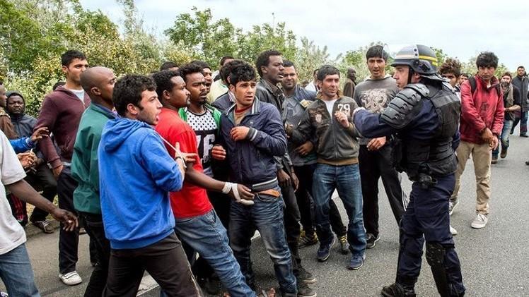 فرنسا.. إصابة 16 شرطيا في مواجهات مع مهاجرين