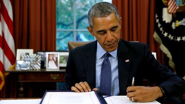 أوباما يمدد العقوبات على إيران لمدة عام آخر