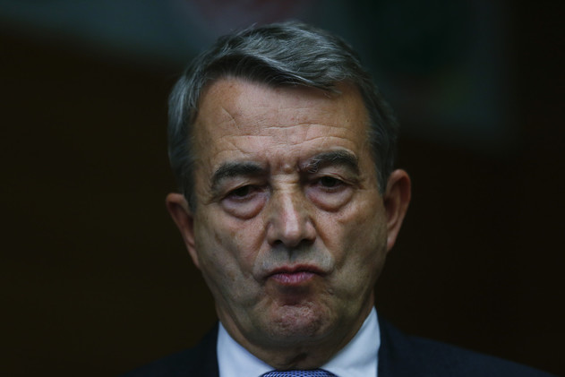 فضائح الفيفا.. نيرباخ سيبقى عضوا في اللجنة التنفيذية رغم الاستقالة