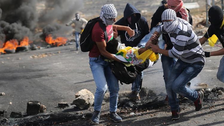 فلسطين.. إصابة العشرات باشتباكات مع الأمن الإسرائيلي في ذكرى رحيل عرفات (فيديو)