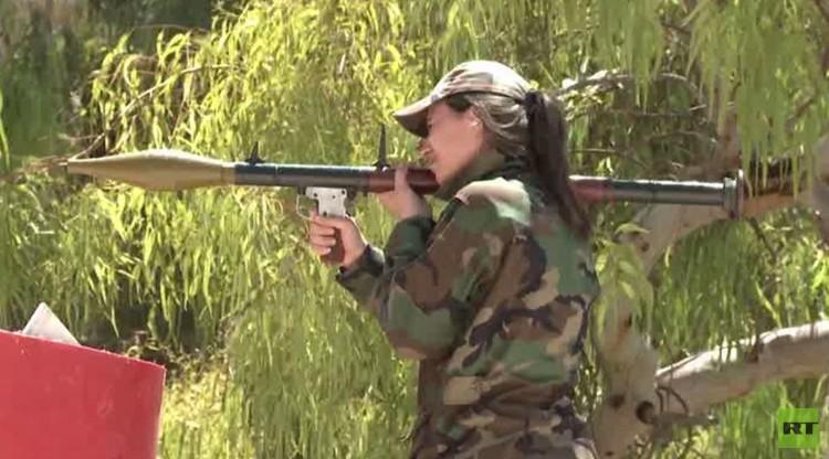 اللواء النسائي السوري يقاتل فصائل المعارضة في داريا .. (فيديو)