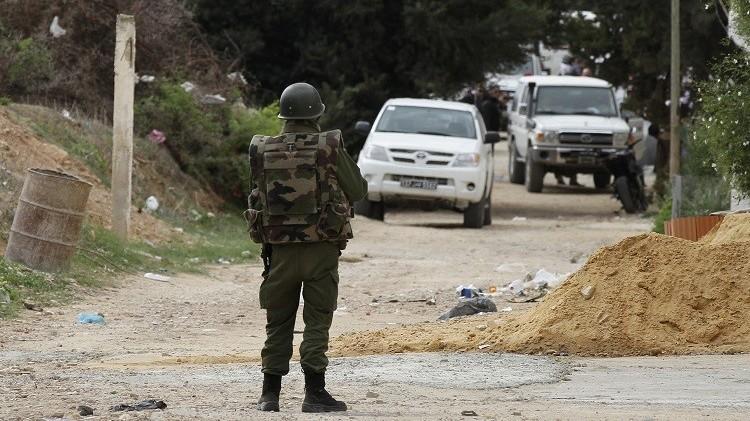 تونس.. اعتقال 17 شخصا كانوا ينوون الانضمام لجماعات مسلحة في ليبيا