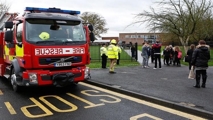 الغموض يخيم على مدرسة بريطانية بعد إغماء نحو 40 طفلا