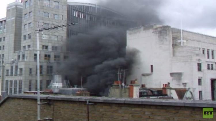 اندلاع حريق بجوار المؤسسة المصرفية الأمريكية