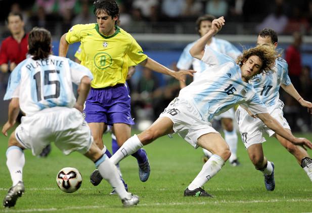 كلاسيكو الكرة اللاتينية بين الأرجنتين والبرازيل بالأرقام