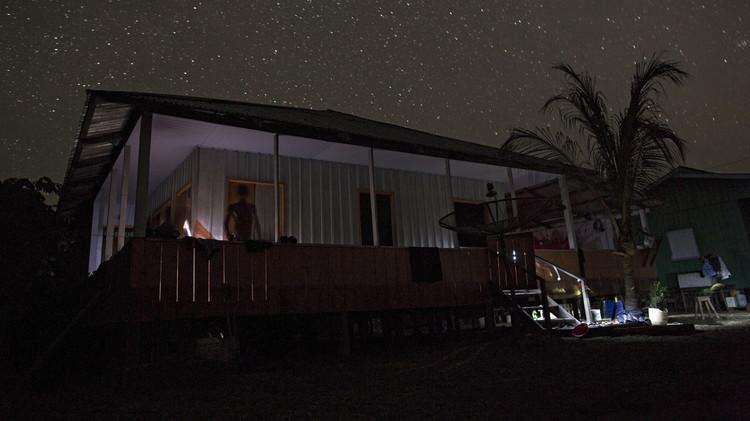 كيف تزود منزلك بالكهرباء مجانا بالاعتماد على طاقة جسمك؟