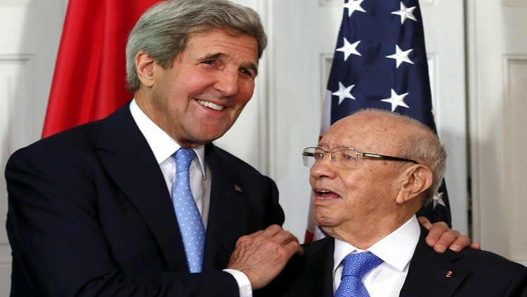 كيري في تونس لتعزيز الشراكة السياسية والاقتصادية
