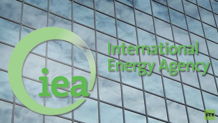 الطاقة الدولية ترفع توقعاتها للطلب العالمي في 2016