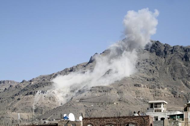 اليمن.. قتلى وجرحى  بانفجار قنبلة شمال غرب البلاد