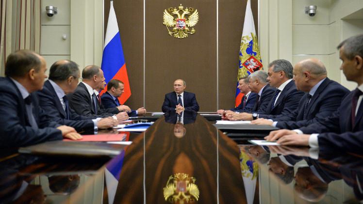 بوتين يبحث مع مجلس الأمن الروسي الإرهاب عشية