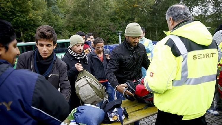 بريطانيا.. منتحلو الجنسية السورية معرضون للملاحقة