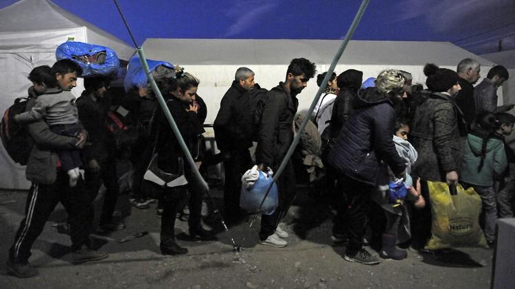 بولندا ترفض استقبال اللاجئين بسبب هجمات باريس