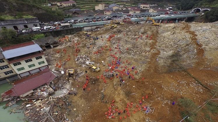 الصين.. مصرع 16 شخصا بانهيار أرضي شرق البلاد