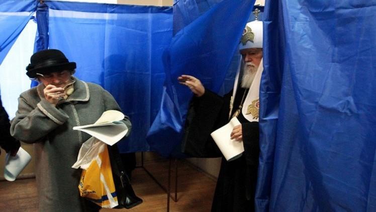 التصويت في أوكرانيا في الجولة الثانية من الانتخابات المحلية