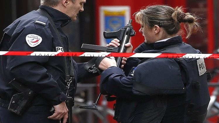 الكشف عن هوية أحد منفذي هجمات باريس واعتقال والده وشقيقه