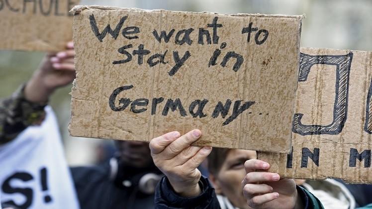 هجمات باريس تهدد خطة الاتحاد لتوزيع اللاجئين