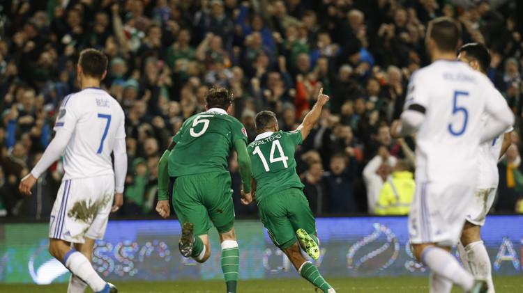 إيرلندا تبلغ نهائيات