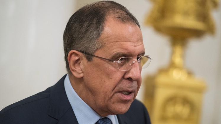 لافروف: التحالف الدولي لا يستهدف عمدا وحدات
