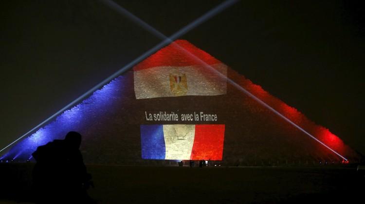 مصر.. سيناريوهات مواجهة تحديات ما بعد أحداث باريس