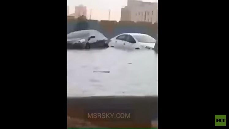 السعودية.. مقتل شخصين في سيول جارفة (فيديو)