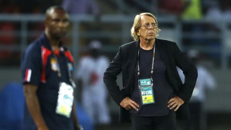 لوروا يرحل عن الكونغو رغم قيادتها إلى المرحلة الأخيرة لتصفيات كأس العالم