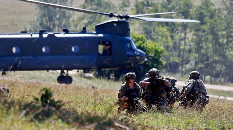 لافروف: الناتو ينتهك اتفاقه الأساسي معنا بتعزيز وجوده عند حدودنا