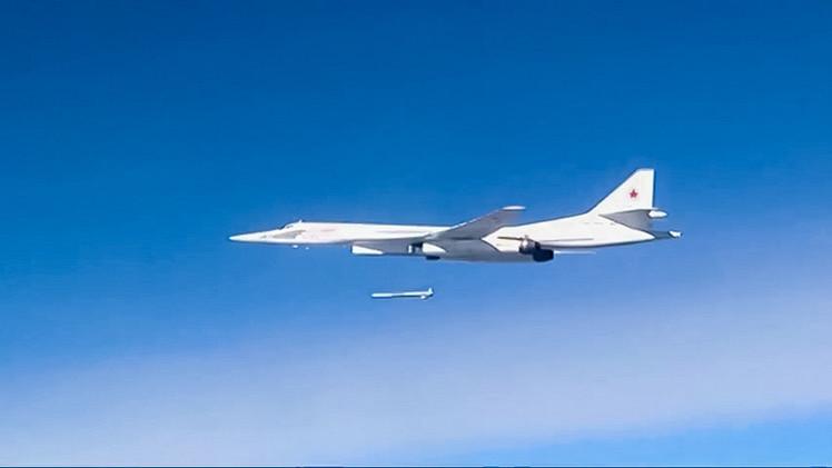 الصواريخ الروسية المجنحة تدمر مواقع مهمة لداعش في سوريا.. والتنظيم يقر بمقتل 3 من قيادييه