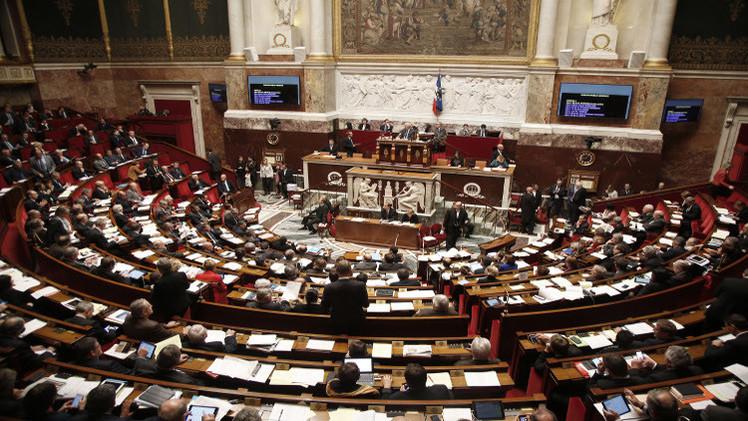 البرلمان الفرنسي يوافق على تمديد حالة الطوارئ 3 أشهر