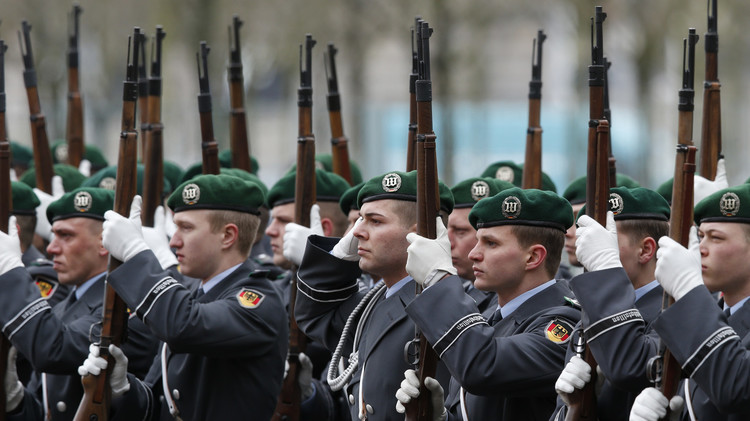 دير شبيغل: ألمانيا قد تشارك بقوات لمحاربة داعش في  سوريا