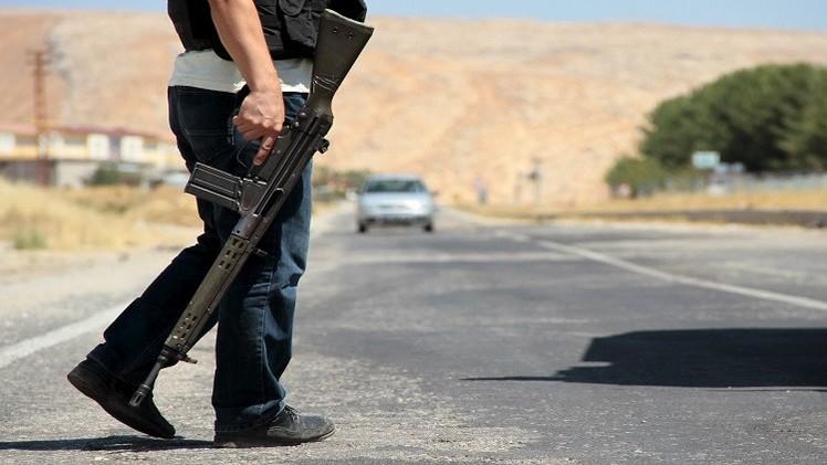 تركيا.. اعتقال 3 أشخاص يشتبه في انتمائهم لـ