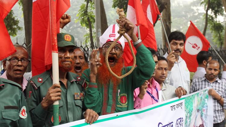 بنغلاديش تعدم شنقا اثنين من زعماء المعارضة