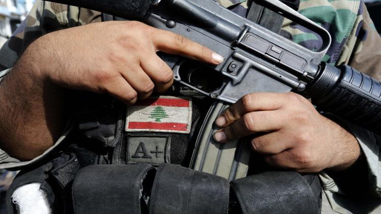 الجيش اللبناني يعتقل 6 فلسطينيين حاولوا السفر إلى سوريا للقتال فيها